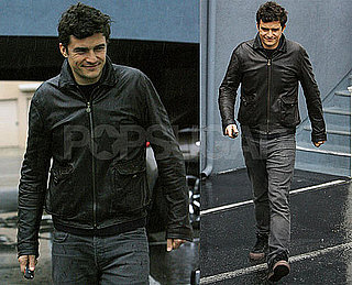 Photos of Orlando Bloom Walking in Rainy LA