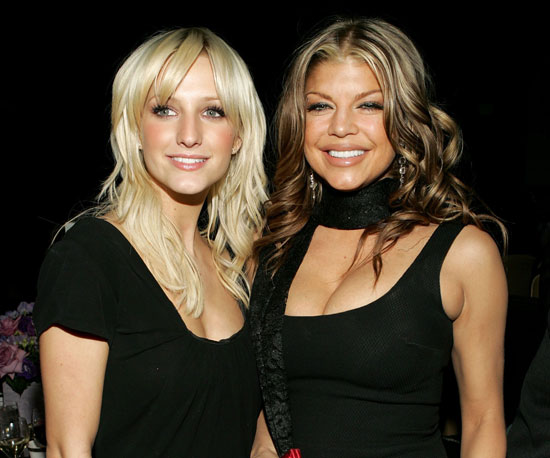 Fergie posed with a blonde Ashlee Simpson in 2006.