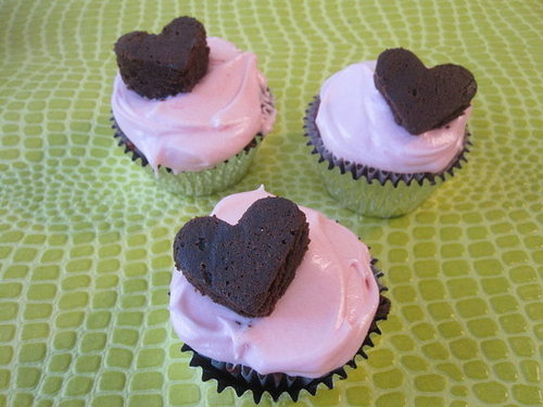 Recipe for Red Velvet Cupcakes with Pink Cream Cheese Frosting and Brownie Hearts
