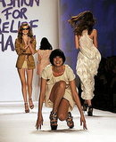 Naomi Campbell Commemorates Alexander McQueen, Agyness Deyn Falls Twice at Fashion for Relief