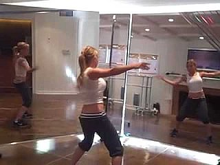 Gwyneth Paltrow Shares Video of Tracy Anderson's Arm Workout That Cured Her Bat Wing Issue