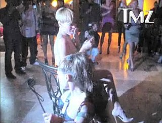 Link Time — Rihanna Gets a Little Lap Dance For Her Birthday
