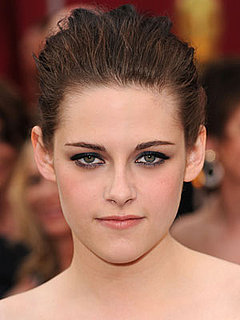 Kristen Stewart at 2010 Oscars 2010-03-07 17:31:16