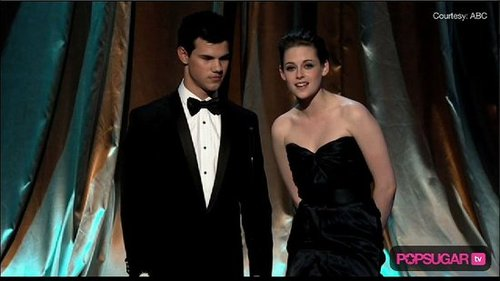 Kristen Stewart and Taylor Lautner at the Oscars