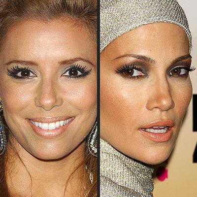 Fake eyelashes ladies !