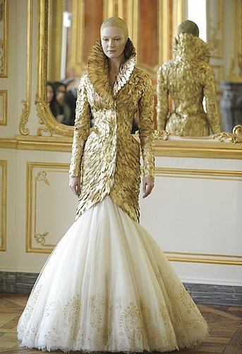 Alexander McQueen's Last Collection 2010-03-09 09:39:22