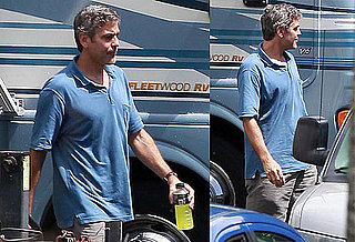 Photos of George Clooney Filming The Descendants in Hawaii 2010-03-16 11:30:00
