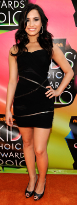 Demi Lovato Style at 2010 Kids Choice Awards