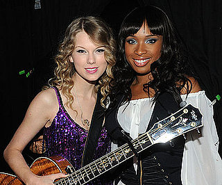 Slide Picture of Jennifer Hudson and Taylor Swift in Vegas