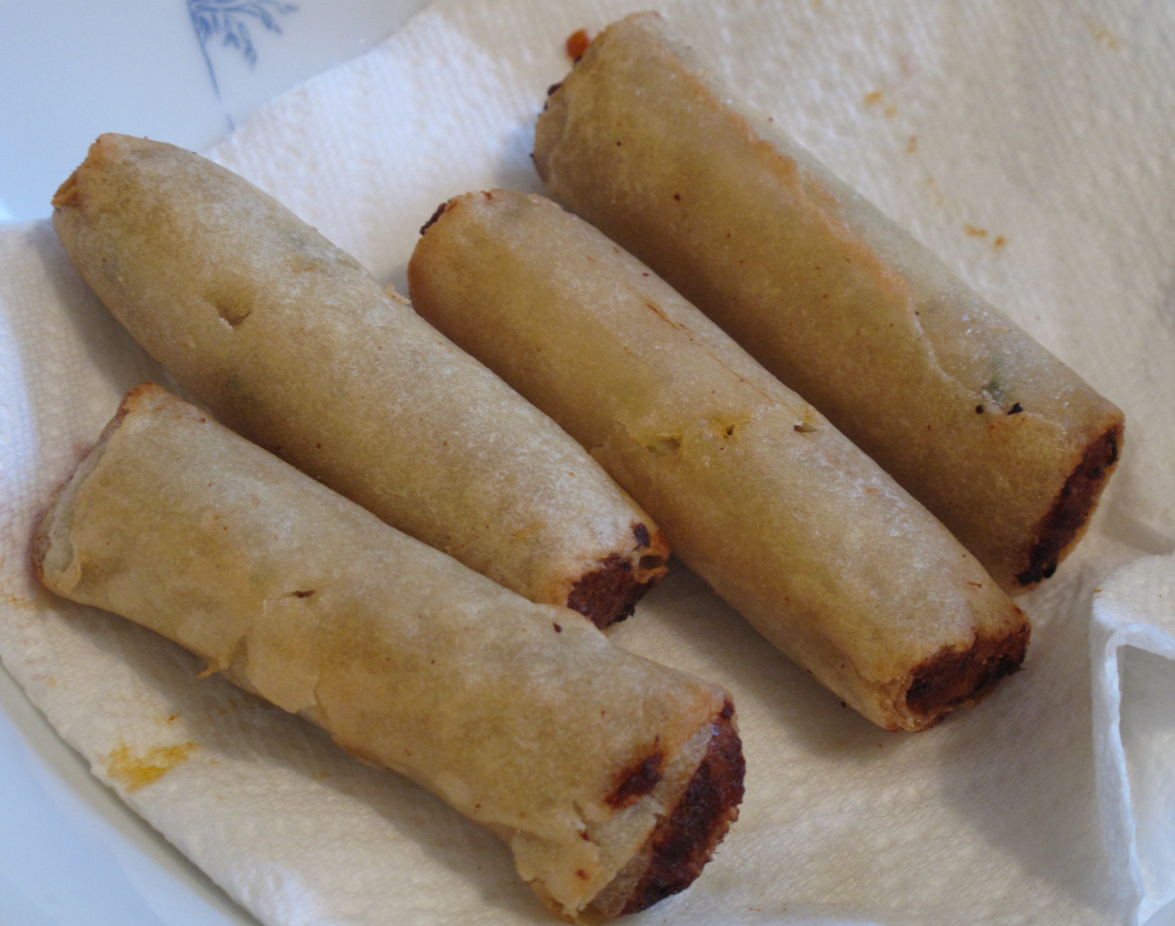 I also threw some frozen mini lemongrass chicken eggrolls in the Actifry. They didn't fare as well in the machine as they did in the oven, which makes them more crispy.