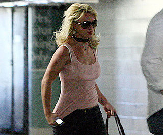Slide Picture of Britney Spears in LA 2010-04-28 22:34:44