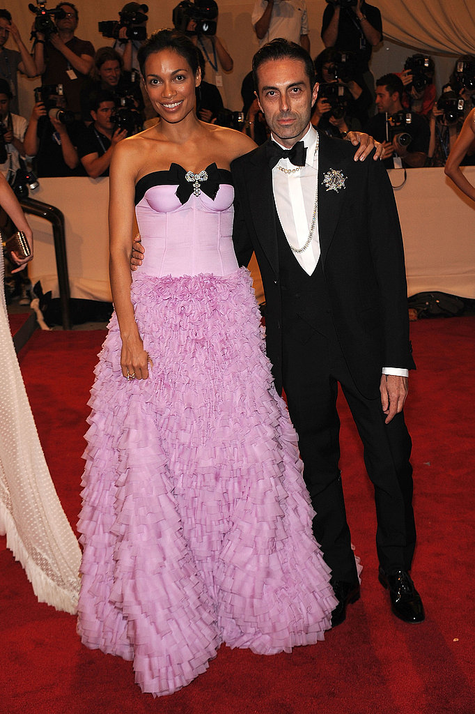 Rosario Dawson in Giambattista Valli with the designer