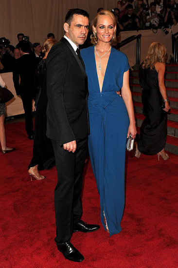 Roland Mouret with Amber Valletta in his design