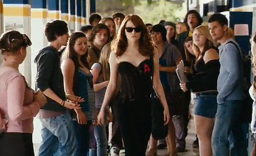 Easy A Trailer Video Starring Emma Stone, Penn Badgley, Amanda Bynes, Patricia Clarkson, and Stanley Tucci