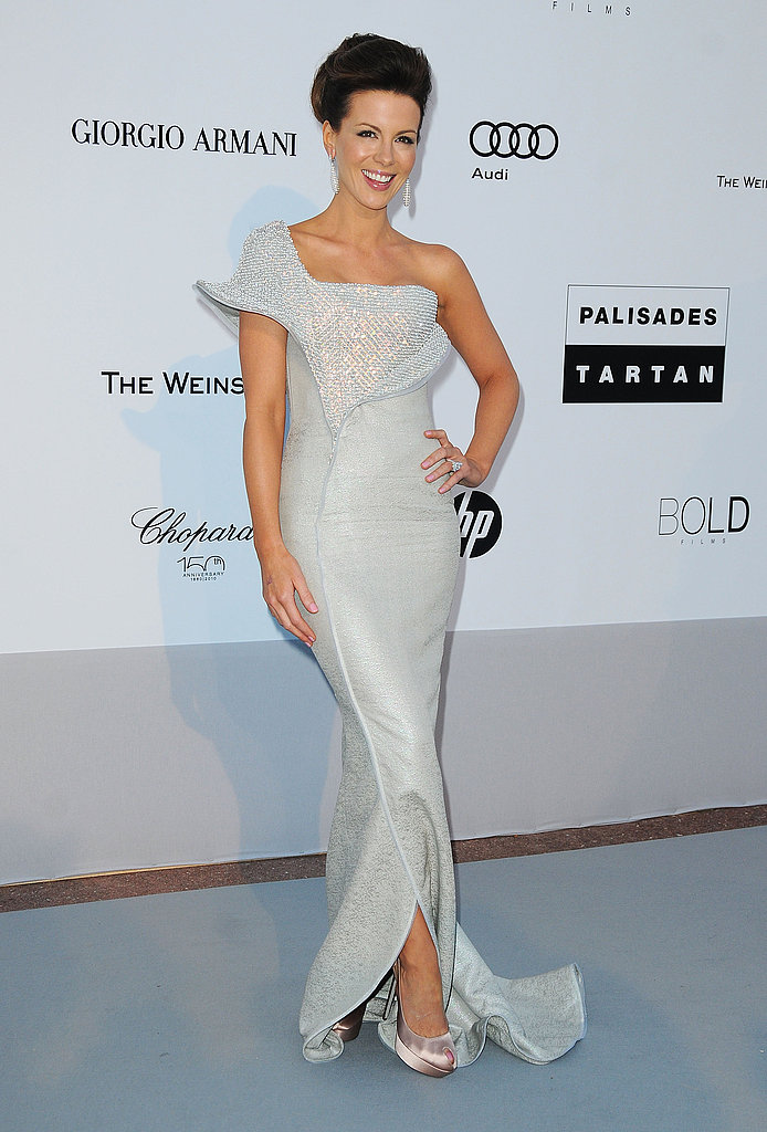 Kate Beckinsale in a stunning one-shouldered confection by Armani.