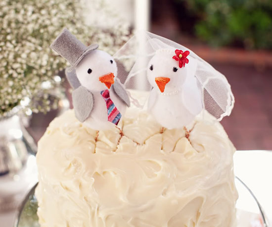 15 Unexpected Cake Toppers