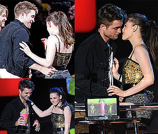 Pictures of Robert Pattinson and Kristen Stewart at the 2010 MTV Movie Awards 2010-06-06 20:05:02