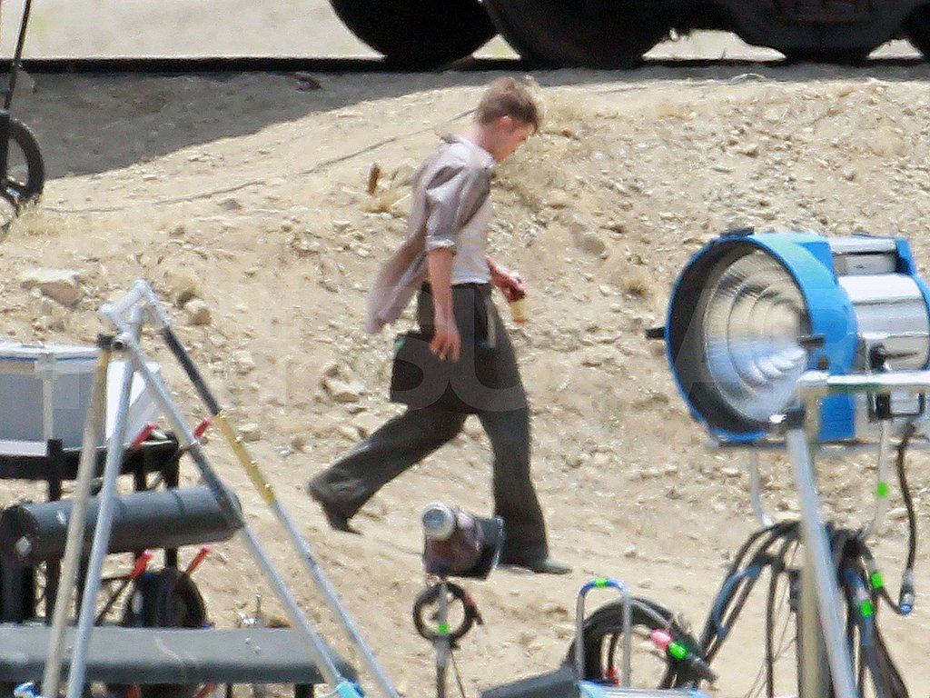 Pictures of Robert Pattinson on Water for Elephants Set
