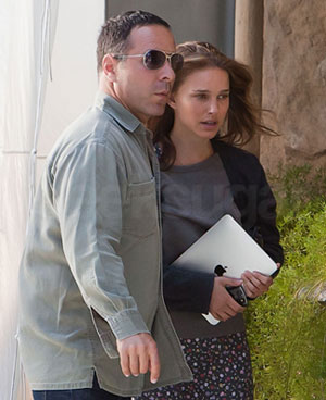 Natalie Portman's Naked iPad On Set
