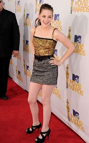 Kristen Stewart Dazzles at the MTV Movie Awards