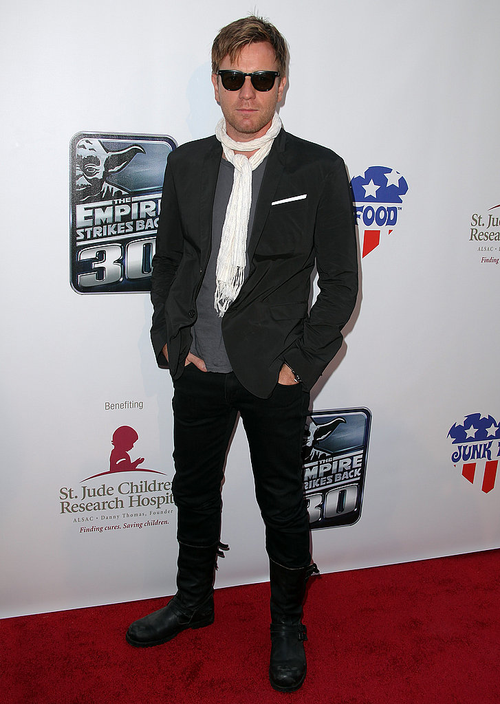 Ewan McGregor is another Brit with style in his genes. Check out the cool way with which he's sporting that skinny scarf. And those boots? Killer.