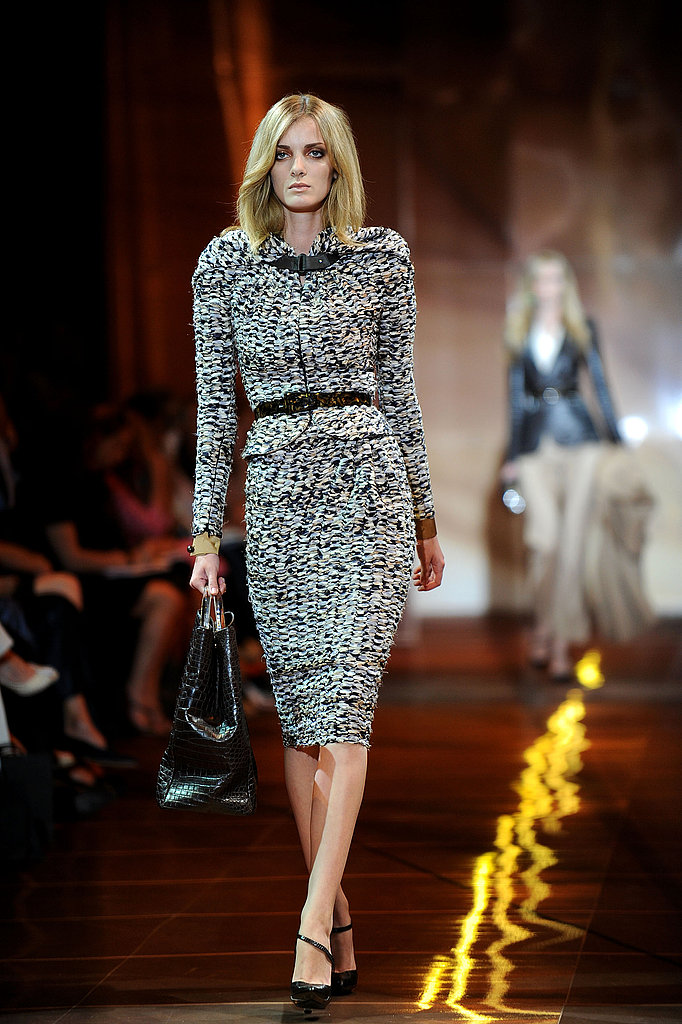 If you dare to be all-out luxe, wear a tweed suit, and cinch your waist with a skinny belt. Fabulous!