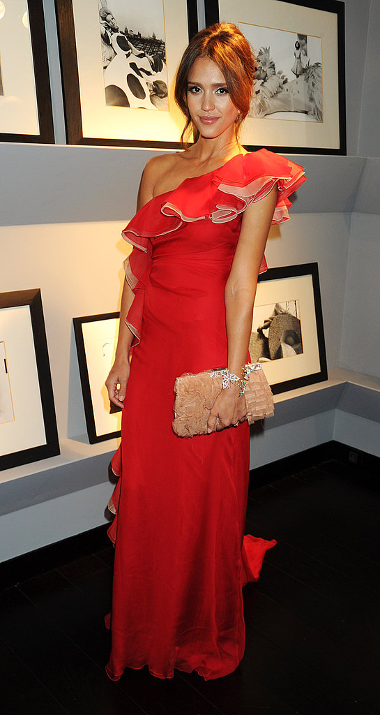 Jessica Alba in ruffled red Valentino.