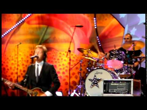 WATCH: Paul McCartney, Ringo Starr Together Again