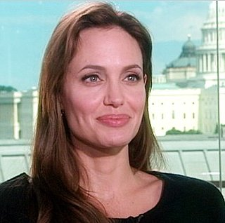 Video: Angelina Jolie Talks About Marrying Brad Pitt