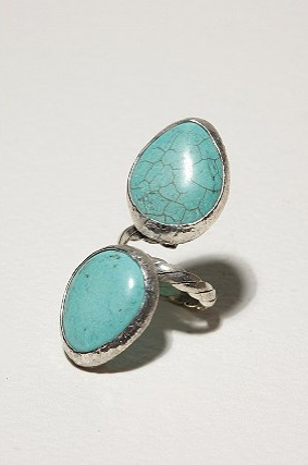 Dara Ettinger Kelly Knuckle Ring ($105)