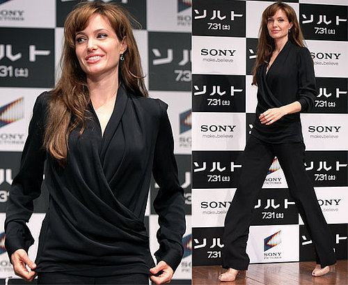 Photos d'Angelina Jolie a la conference de presse de Salt