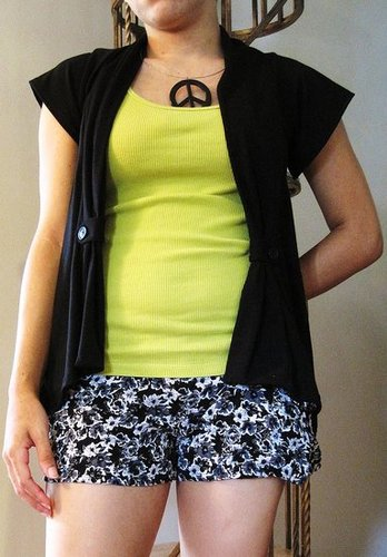 Black Short Sleeve Cardi