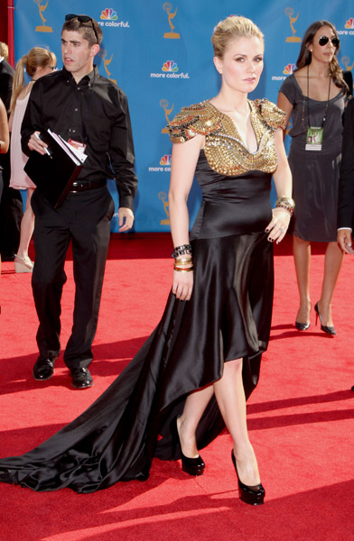 Anna Paquin's Emmys Hairstyle