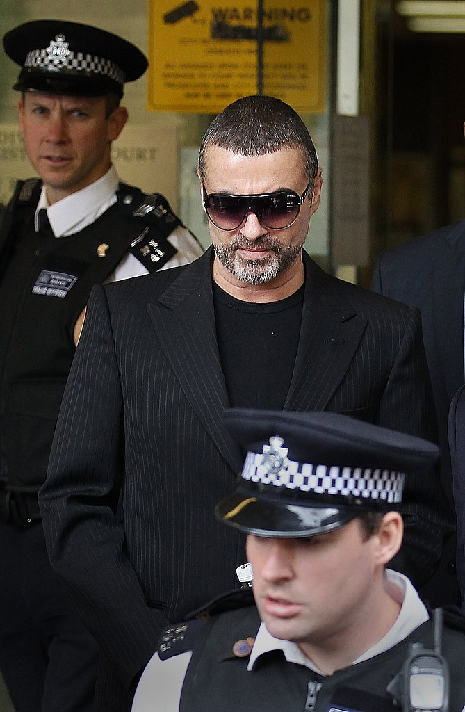 Celebridades MK Ultra Prision - Página 20 George-Michael-Court-Where-He-Pleaded-Guilty-Drug-Driving-Cannabis-Possession