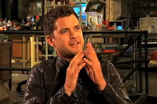 Exclusive Video With Joshua Jackson About Fringe Season 3 and Pacey-Con 2