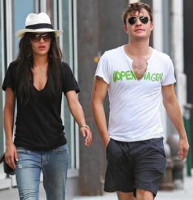 Pictures of Ed Westwick and Jessica Szohr Arriving at a Hotel in NYC