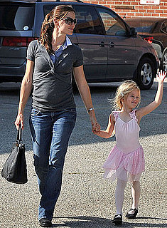 Pictures of Jennifer Garner Taking Her Prima Ballerina to Class in LA