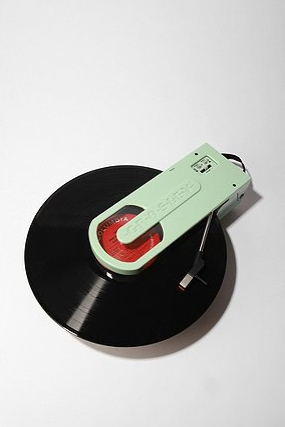 Photos of Crossly Revolution USB Turntable