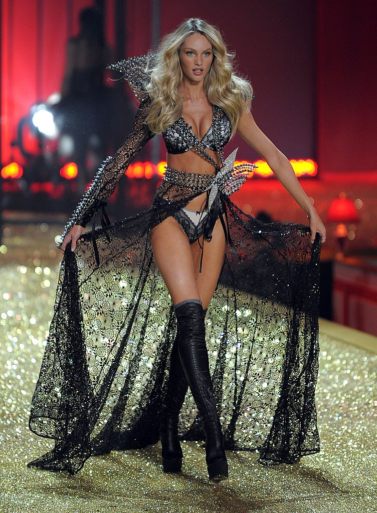Karolina Kurkova, Jessica Stam, Chanel Iman, and the Angels Work the Victoria's Secret Runway!