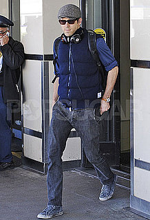 Pictures of Ryan Reynolds Wearing Beats by Dr Dre at LAX