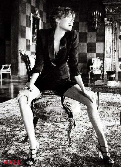 Angelina Jolie does Vogue-december 2010