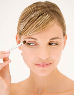 New Makeup Tricks For Getting More Out of Your Products 2010-11-18 09:00:44