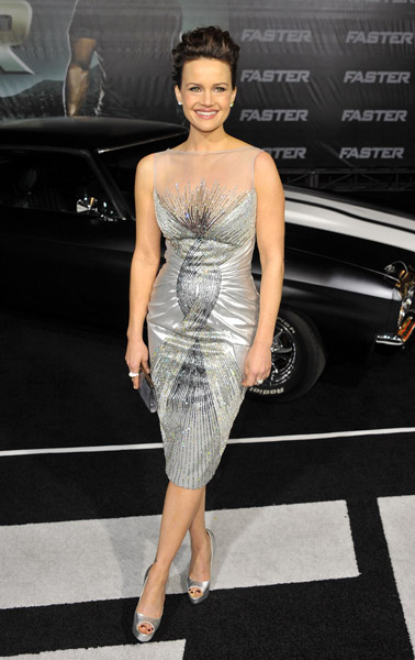 Carla Gugino dazzled in Georges Chakra and a Nicky Hilton collection ring.