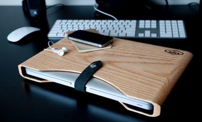 Photos of the Blackbox Wooden MacBook Case