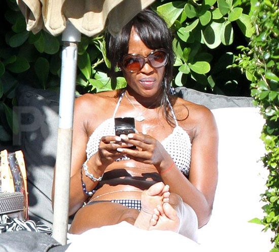 Pictures of Naomi Campbell Bikini
