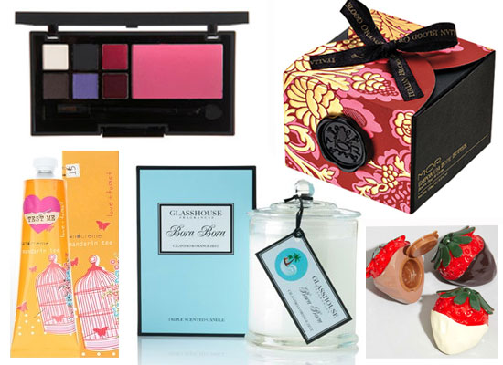 Bella's Xmas Gift Guide: Secret Santa Gifts for Her Under $35!