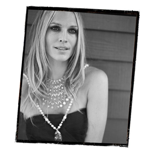 Grayce by Molly Sims Holiday Collection