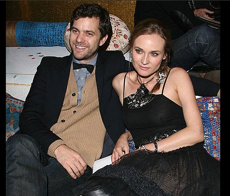 Diane Kruger and Joshua Jackson at Chanel Show in Paris 2010-12-08 17:00:00