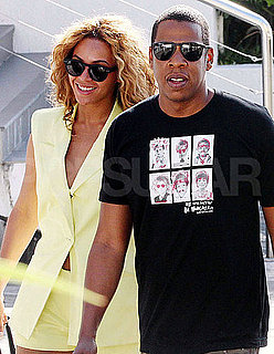 Pictures of Beyonce Knowles and Jay-Z Strolling Around Queensland, Australia