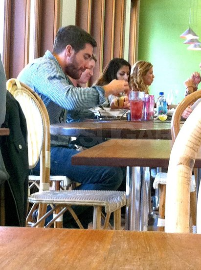 Pictures of Jake Gyllenhaal Eating Lunch at M Cafe in Los Angeles